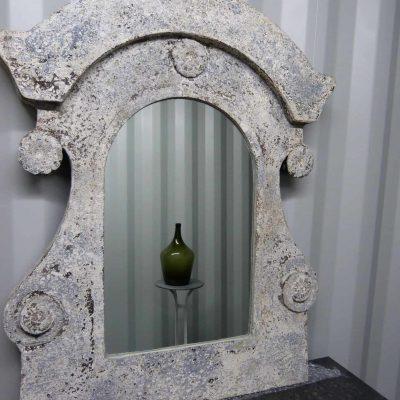 Oeil de Boeuf mirror